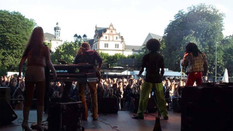 Das Schlossgrabenfest wird doppelt so groß. Platzerweiterung um den Karolinenplatz.